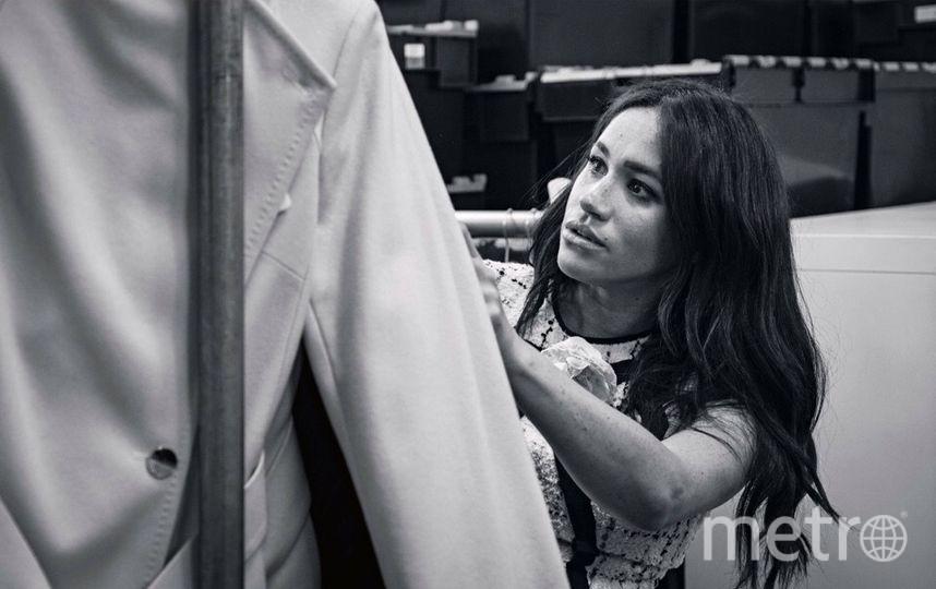 """Это фото Меган Маркл за работой в качестве редактора издания. Фото """"Metro"""""""