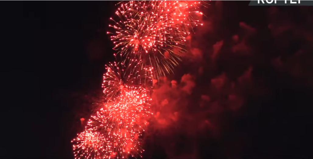 Салют прогремел в Кронштадте и у Петропавловской крепости. Фото Скриншот Youtube