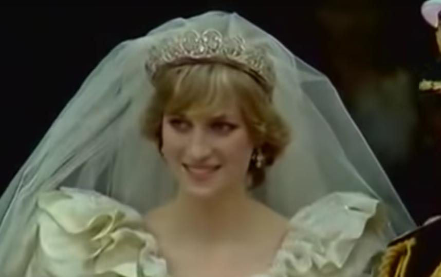 Кадры свадьбы принца Чарльза и принцессы Дианы. Фото Скриншот Youtube