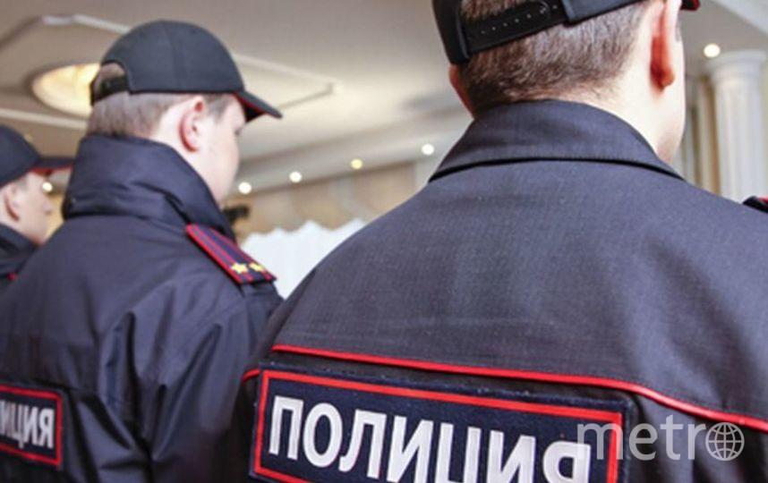 Подозреваемого в нападении на сотрудников в петербургском БЦ доставили в полицию.
