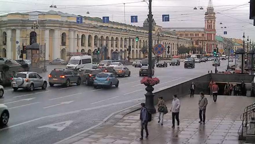 Фото момента ДТП на Невском. Фото Скриншот Youtube