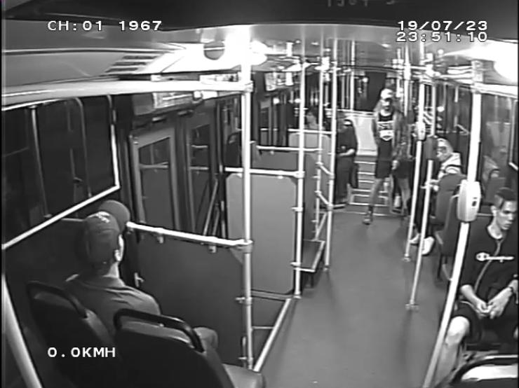 "Нападение на кондуктора троллейбуса попало на видео. Фото СПб ГУП «Горэлектротранс», ""Metro"""