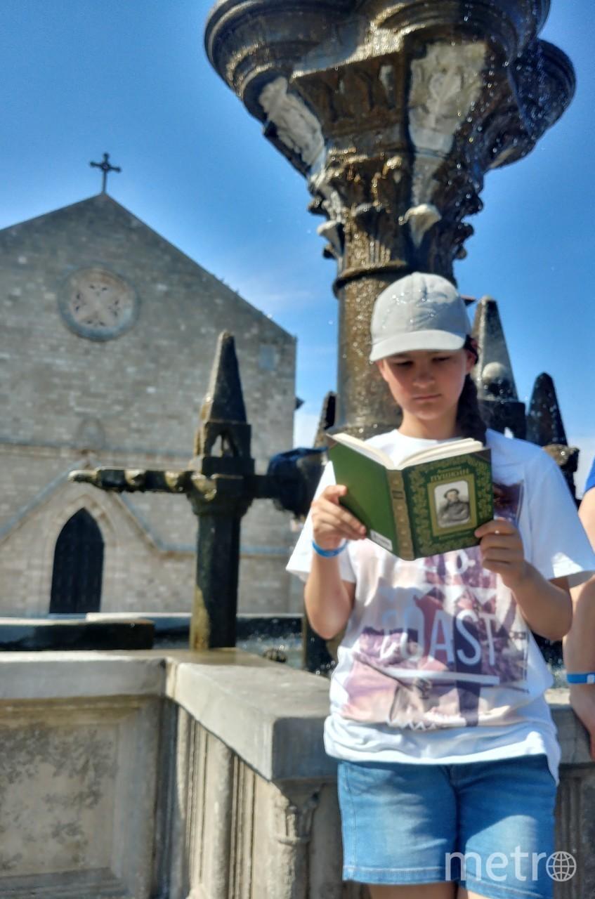 Пушкин отдохнул вместе с читательницей Марией на прекрасном острове Родос (Греция). Фото Мария Воронова.