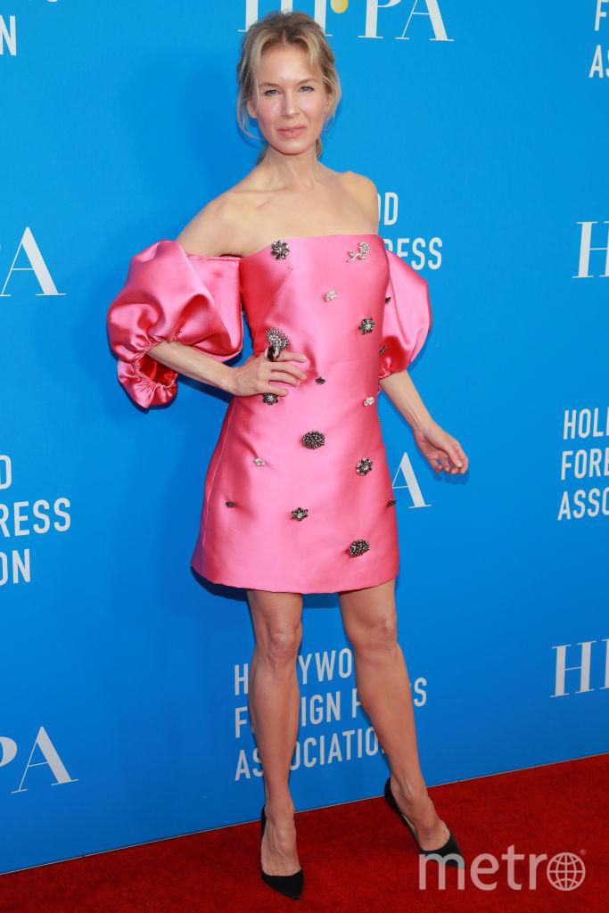 Рене Зеллвегер в розовом платье. Фото Getty