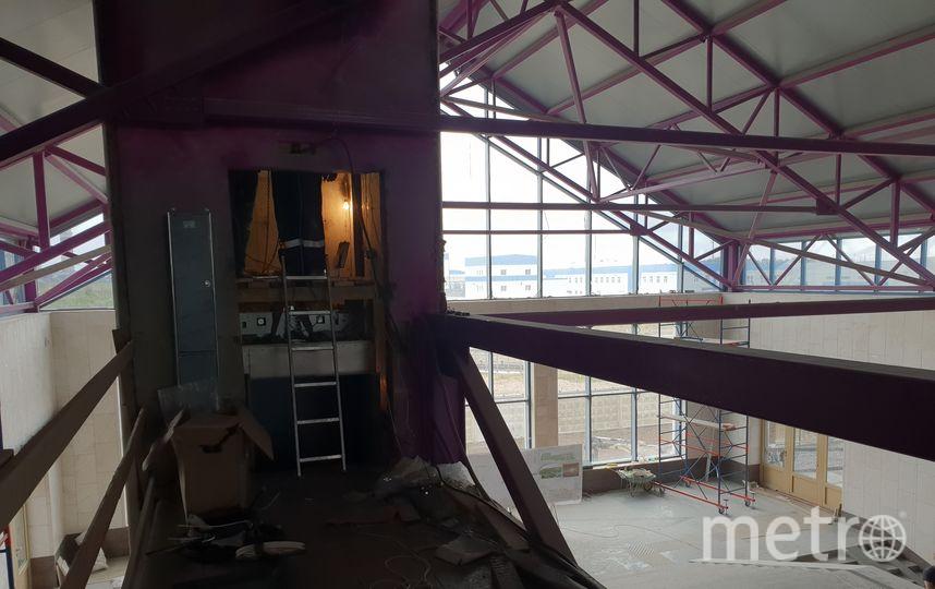 "Ст. «Шушары», монтаж лифтов. Фото https://vk.com/metrostroy_arhiv, ""Metro"""