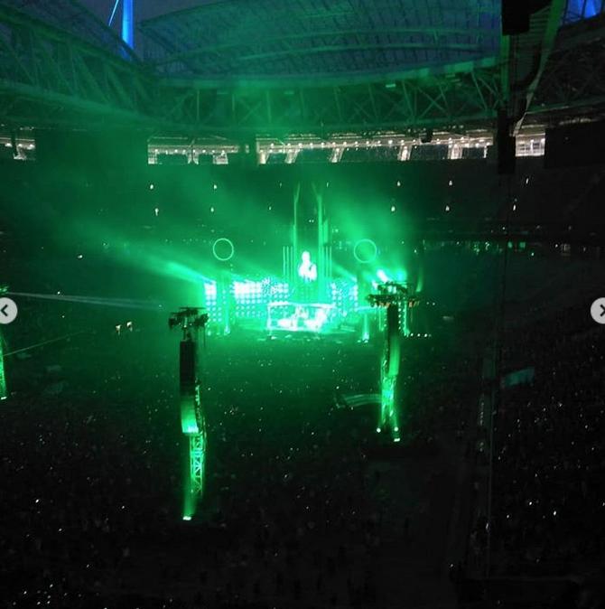 Поклоннники поделились снимками с концерта Rammstein в Петербурге. Фото скриншот https://www.instagram.com/like_secret/