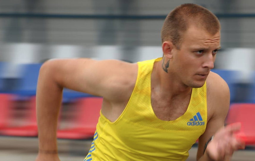 Виталий Диденко, пробежавший 96 часов без сна, приехал в Петербург. Фото Скриншот @import555