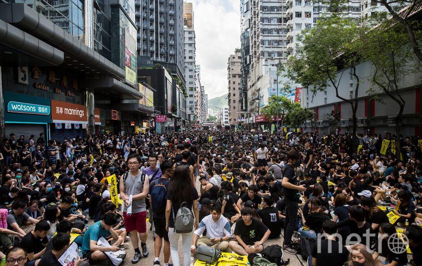 В масштабной забастовке приняли участие более 14 000 человек. Фото AFP