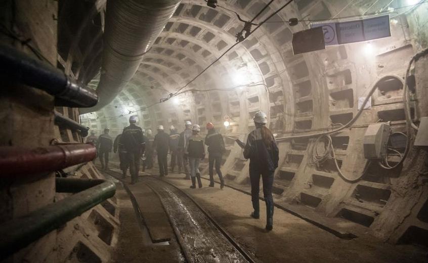 В Петербурге ищут подрядчика проектирования четырех новых станций Красносельско-Калининской линии метрополитена. Фото gov.spb.ru