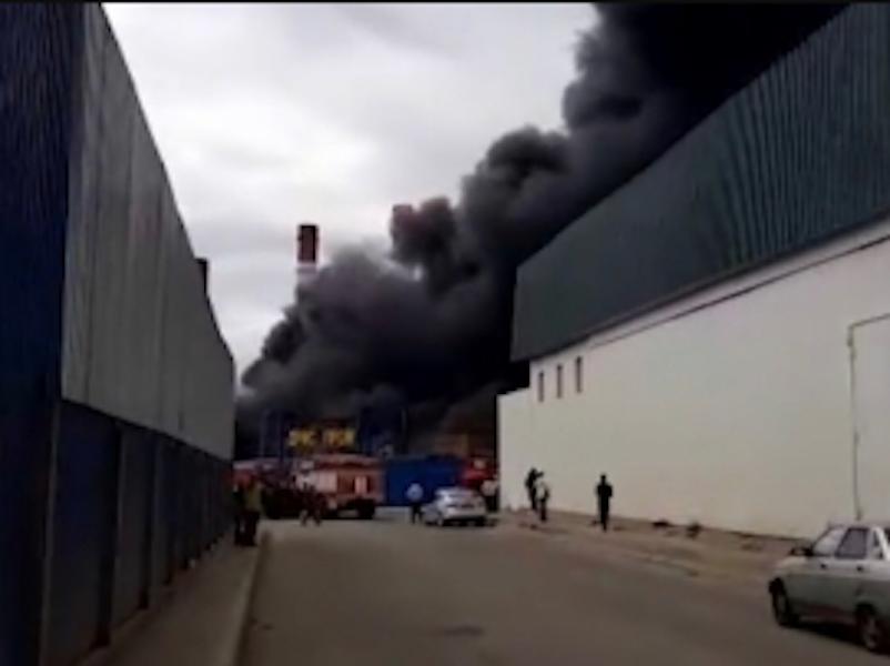 В Дзержинском произошёл пожар в бытовках. Фото ГУ МЧС РФ по Московской области