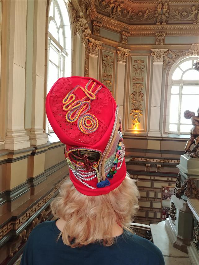 Дизайнер Виктория Москаленко. Вид шляпки сзади. Фото Юлия Долгова