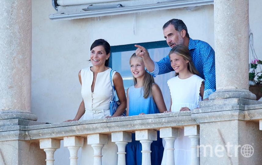 Летиция с супругом и дочками на Майорке. Фото Getty