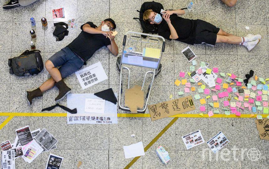 В аэропорту Гонконга отменены все вылетающие рейсы. Фото AFP