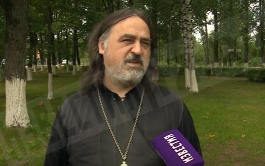 """Игумен Фотий своей вины в случившемся не признает. Фото скриншот https://www.5-tv.ru, """"Metro"""""""