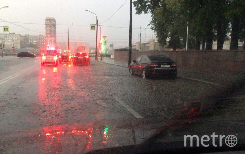 Сильные дожди обрушились на город 9 июля и 8 августа. Фото ДТП и ЧП | Санкт-Петербург | vk.com/spb_today., vk.com