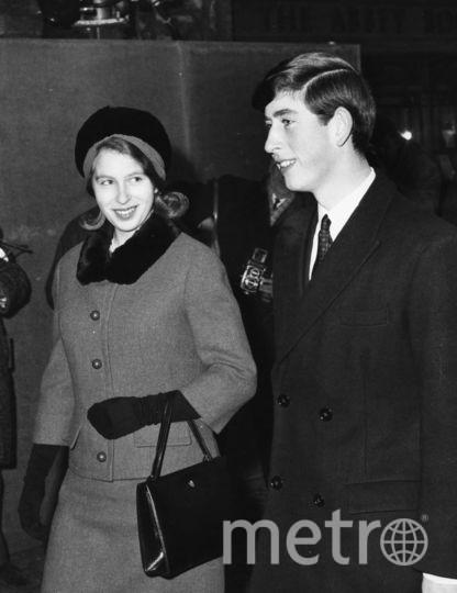 Принцесса Анна и принц Чарльз, декабрь 1965 года. Фото Getty