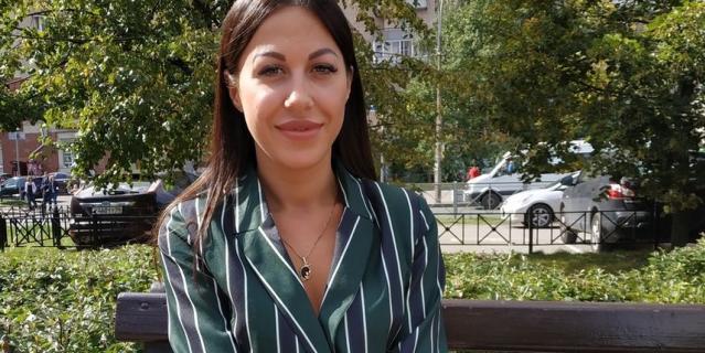 Екатерина, 26 лет, руководитель салона красоты.