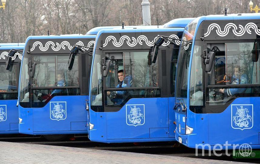 Во время закрытия участка Сокольнической линии будут работать бесплатные компенсационные автобусы – КМ1 и КМ2. Фото Василий Кузьмичёнок