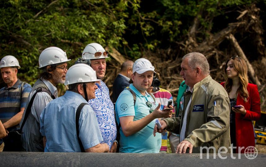 Общественники оценили работы по перекладке городских тепломагистралей, проводимые Сибирской генерирующей компанией, ознакомились с применяемыми технологиями и задали вопросы, которые волнуют жителей. Фото Предоставлено организаторами