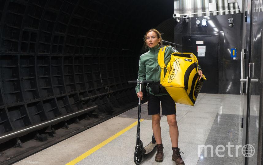 Полина (Юлия Александрова) работает, себя не жалея. Фото Марс Медиа