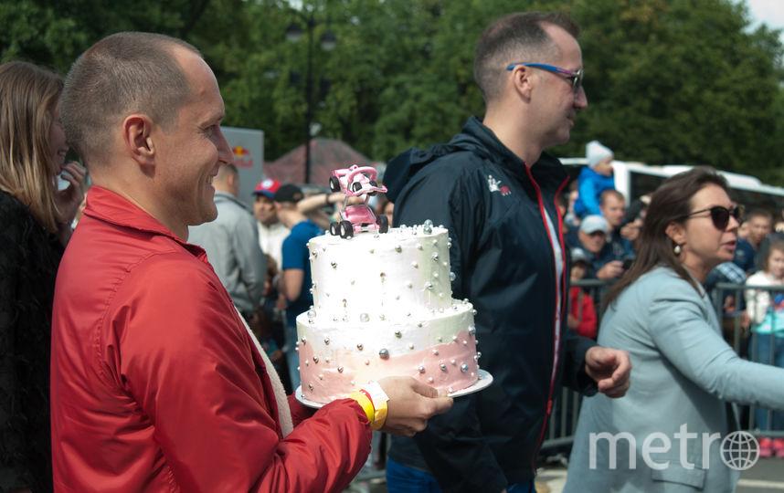 """Торт в честь рождения дочери. Фото Анна Лутченкова, """"Metro"""""""