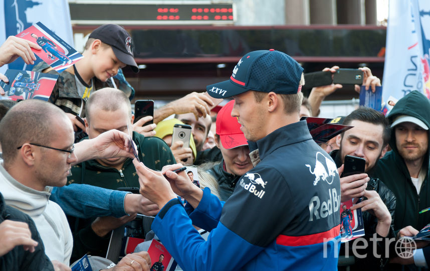 "Даниил Квят на Scuderia Toro Rosso Showrun. Фото Анна Лутченкова, ""Metro"""