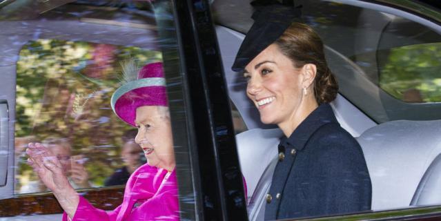 Елизавета II, Кейт Миддлтон и принц Уильям.