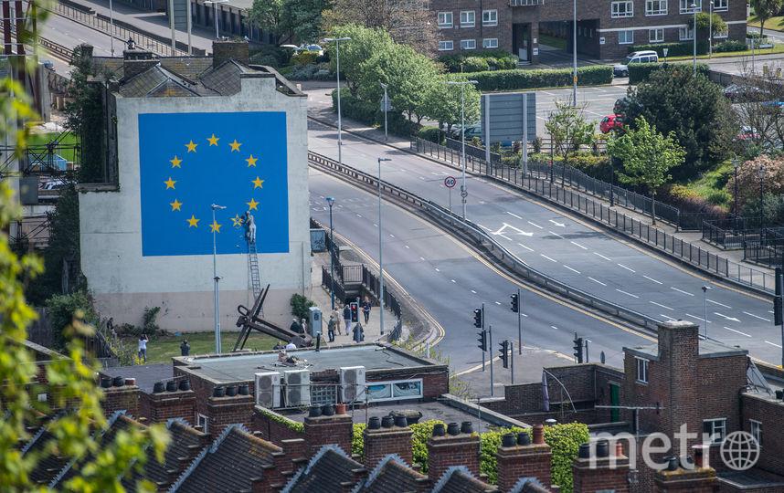 Граффити Бэнкси, посвящённое выходу Великобритании из ЕС, появилось в 2017 году. Фото Getty