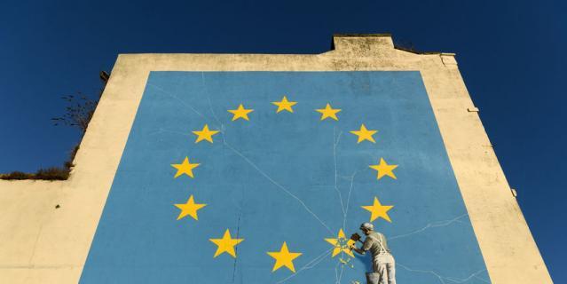 Граффити Бэнкси, посвящённое выходу Великобритании из ЕС, появилось в 2017 году.