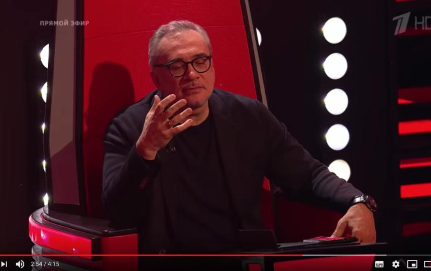"""Константин Меладзе. Фото скриншот с официального канала шоу """"Голос"""" на YouTube"""