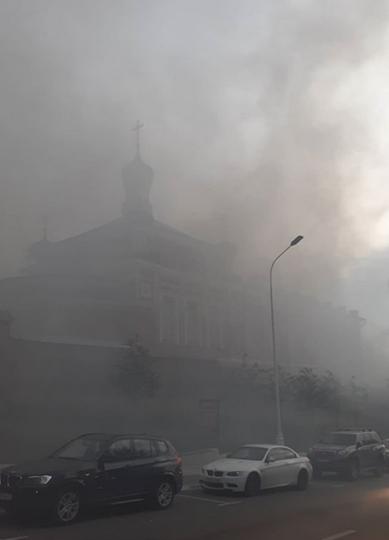 На территории Богородице-Рождественского женского монастыря произошёл пожар. Фото Скриншот https://www.instagram.com/rybalka_s_denchikom/