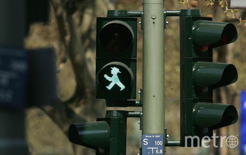 Светофорный человечек в Берлине. Фото Getty