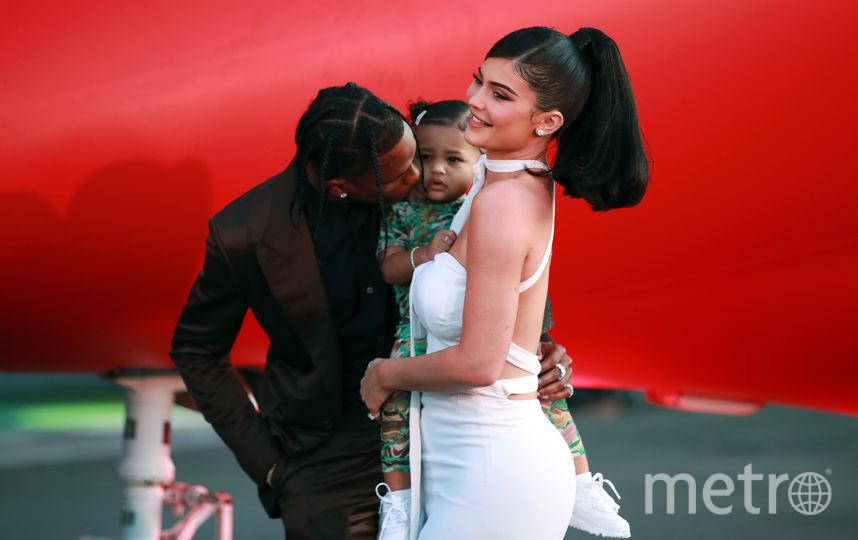 Кайли Дженнер с дочкой и Трэвисом Скоттом. Фото Getty