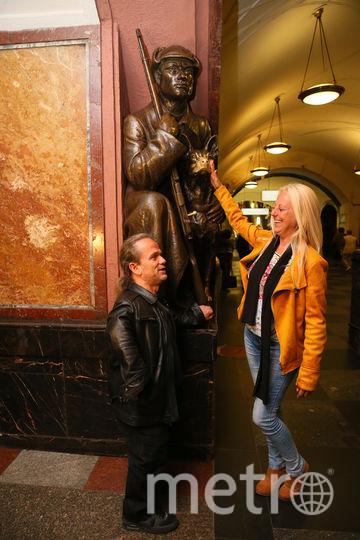 Паспарту и его любимая Патриция покоряют столичную подземку. Фото Василий Кузьмичёнок