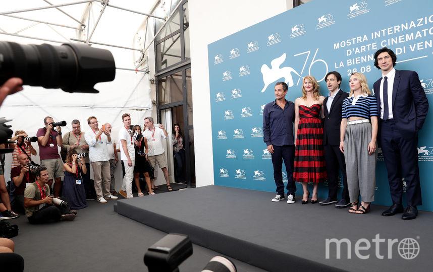 Слева направо: продюсер Дэвид Хейман, Лора Дерн, режиссер Ноа Баумбак, Скарлетт Йоханссон и Адам Драйвер. Фото Getty