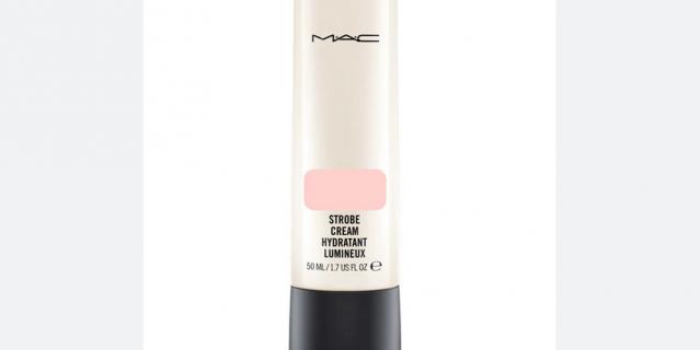M.A.C Strobe Cream увлажняющий крем с эффектом сияния.