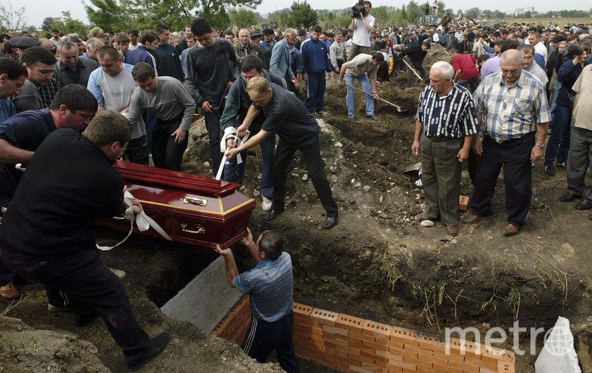 Пятнадцать лет назад террористы захватили школу №1 в Беслане. Фото Getty