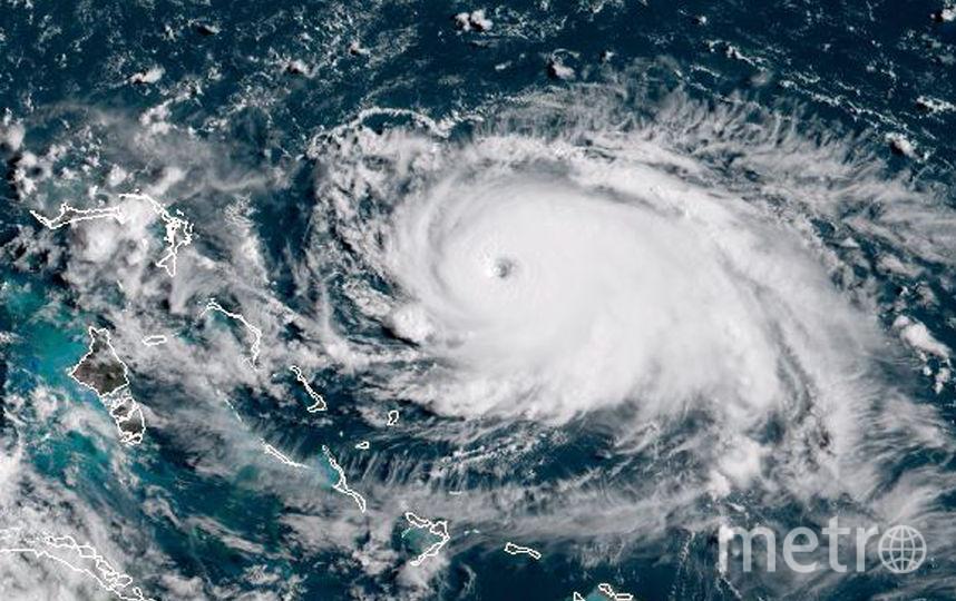 Скорость отдельных порывов ветра достигает 354 км/ч. Фото AFP