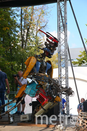 Роботы - рокеры покорили москвичей. Фото Василий Кузьмичёнок