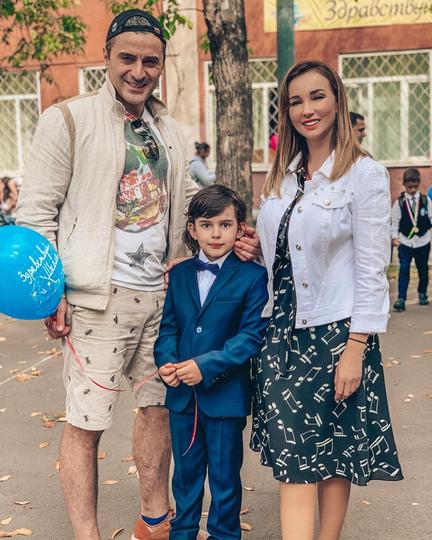 Анфиса Чехова с бывшим мужем, актёром Гурамом Баблишвили, и сыном Соломоном. Фото Скриншот Instagram @achekhova