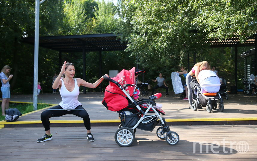 В следующем году Валентина планирует обучить новых инструкторов и открыть в Москве ещё 10 точек фитнеса с колясками. Фото Василий Кузьмичёнок