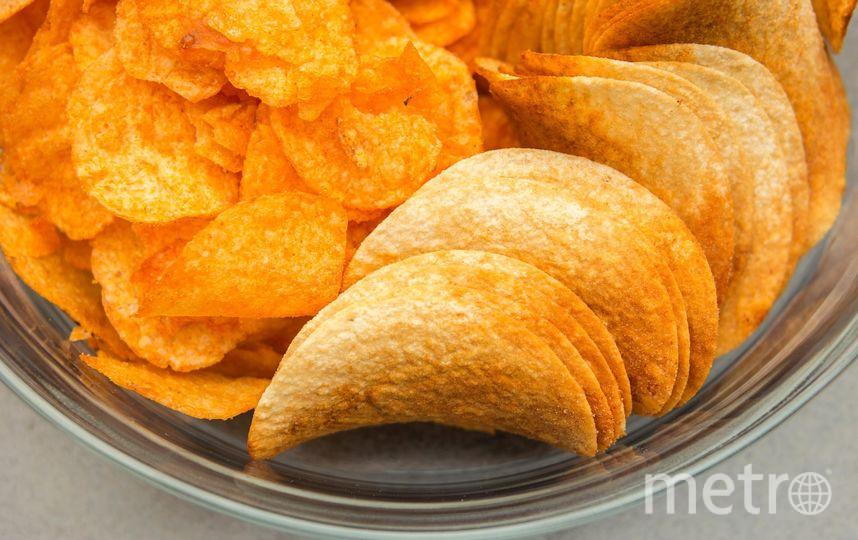 юноша с 11 лет не ел ничего, кроме чипсов , сосисок, полуфабрикатов и снеков. Фото Pixabay