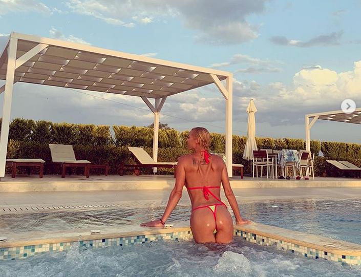 "Анастасия Волочкова, фотоархив. Фото скриншот www.instagram.com/volochkova_art/, ""Metro"""