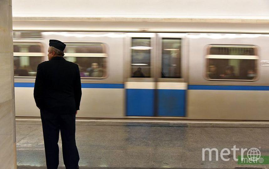 Сбой произошёл на зелёной линии метро в Москве из-за падения пассажира. Фото Василий Кузьмичёнок