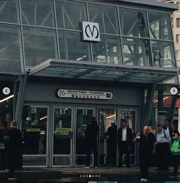 "Первые фото станции метро ""Проспект Славы"". Фото https://www.instagram.com/p/B2BbAZIjW4W/, ""Metro"""