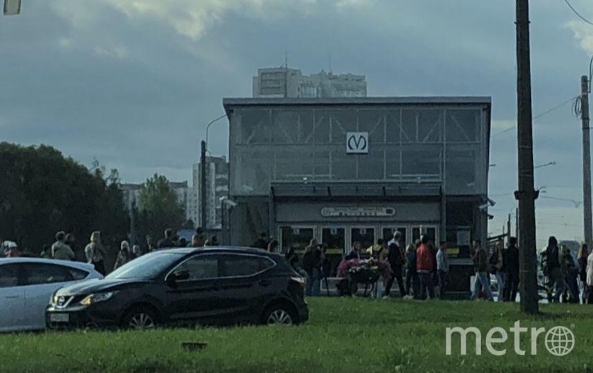 Для пассажиров не открыли станции 5 сентября. Фото vk.com/spb_today, vk.com