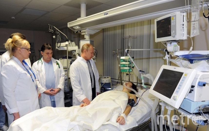 Президент России Владимир Путин посетил Марию Комиссарову в краснополянской больнице №8.. Фото РИА Новости