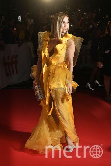 Дженнифер Лопес в Торонто выгуляла эффектные платья. Фото Getty