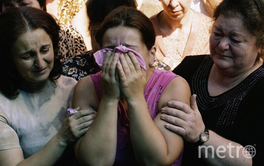 Кадр из 2004-го года, когда события в Беслане потрясли всю страну. Фото Getty