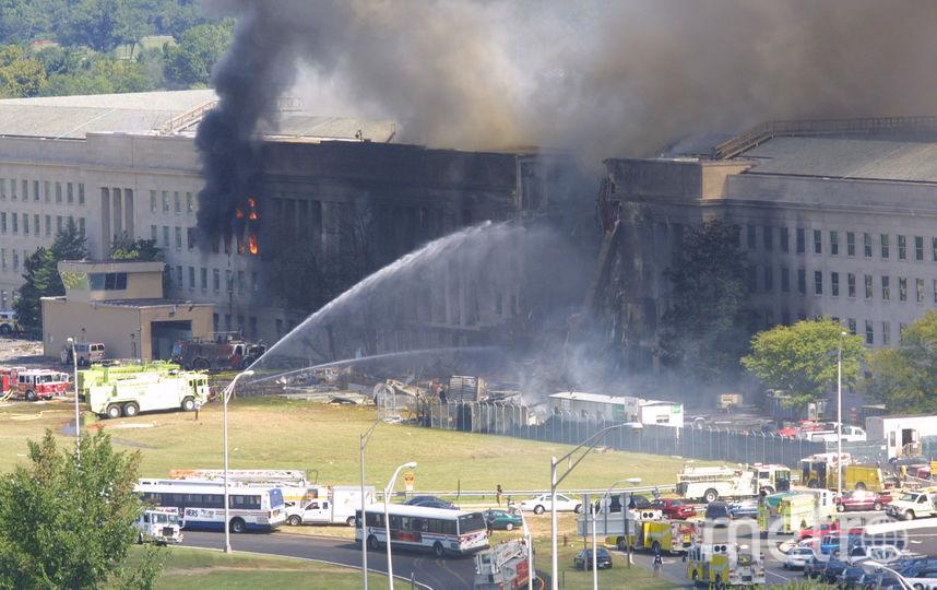 Третий самолёт врезался в здание Пентагона. Фото Getty